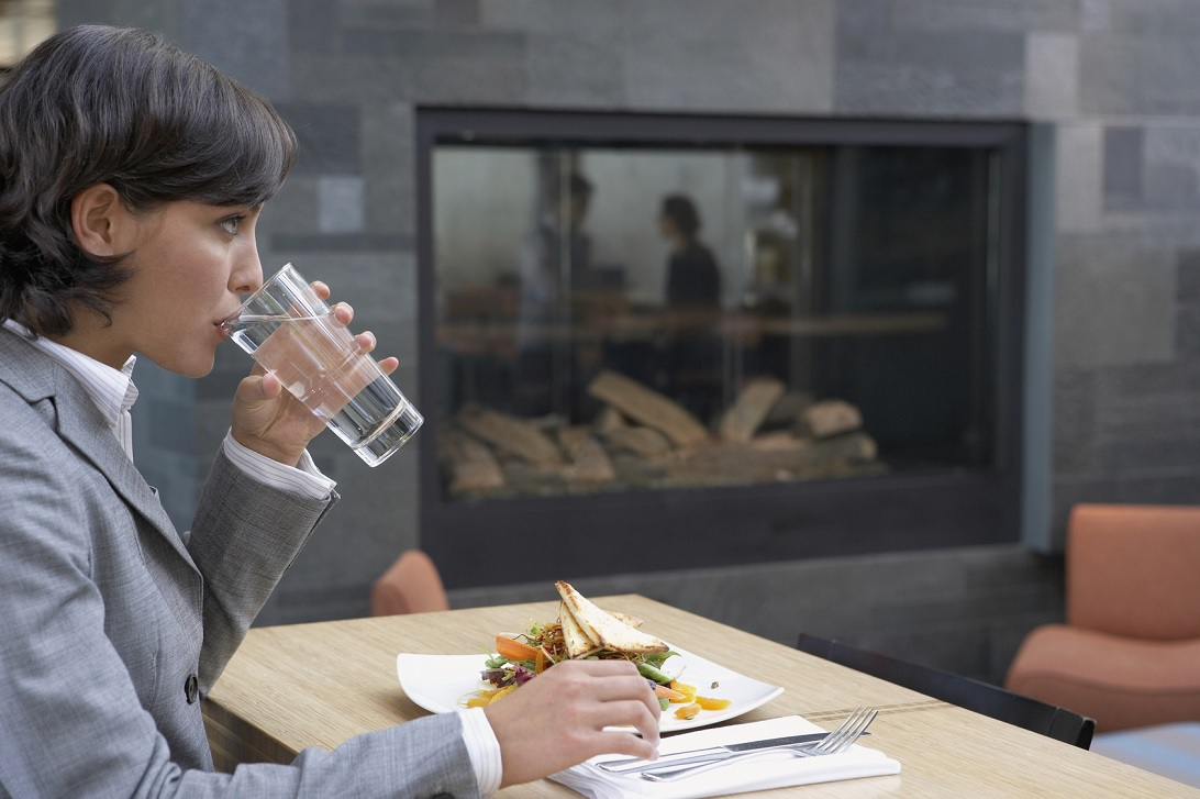 15-Health-and-Fitness-Habits-You-Should-Start-Doing-This-Year-drink-water-before-meal