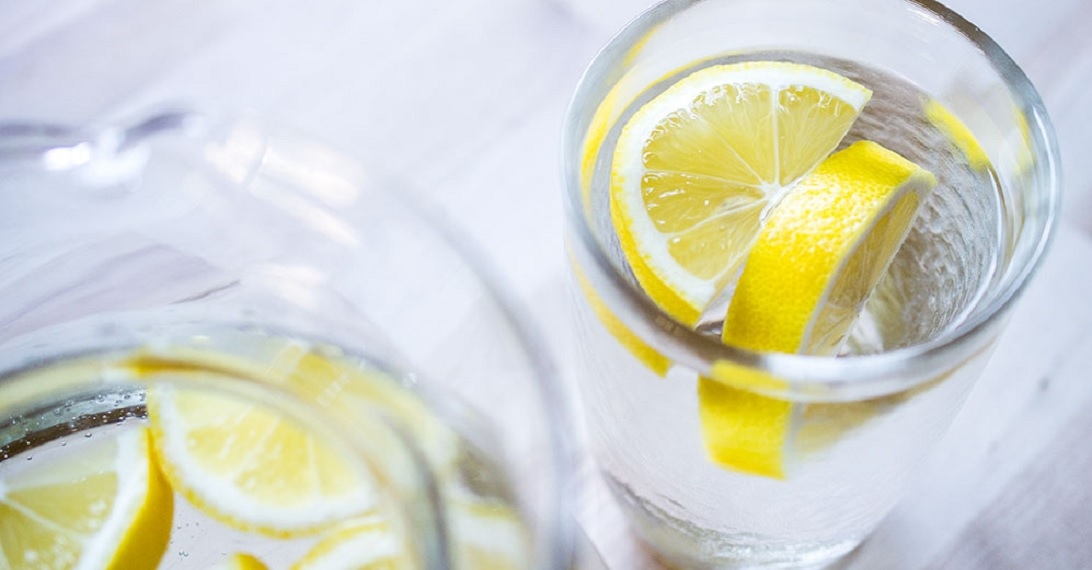 15-Health-and-Fitness-Habits-You-Should-Start-Doing-This-Year-lemon-water