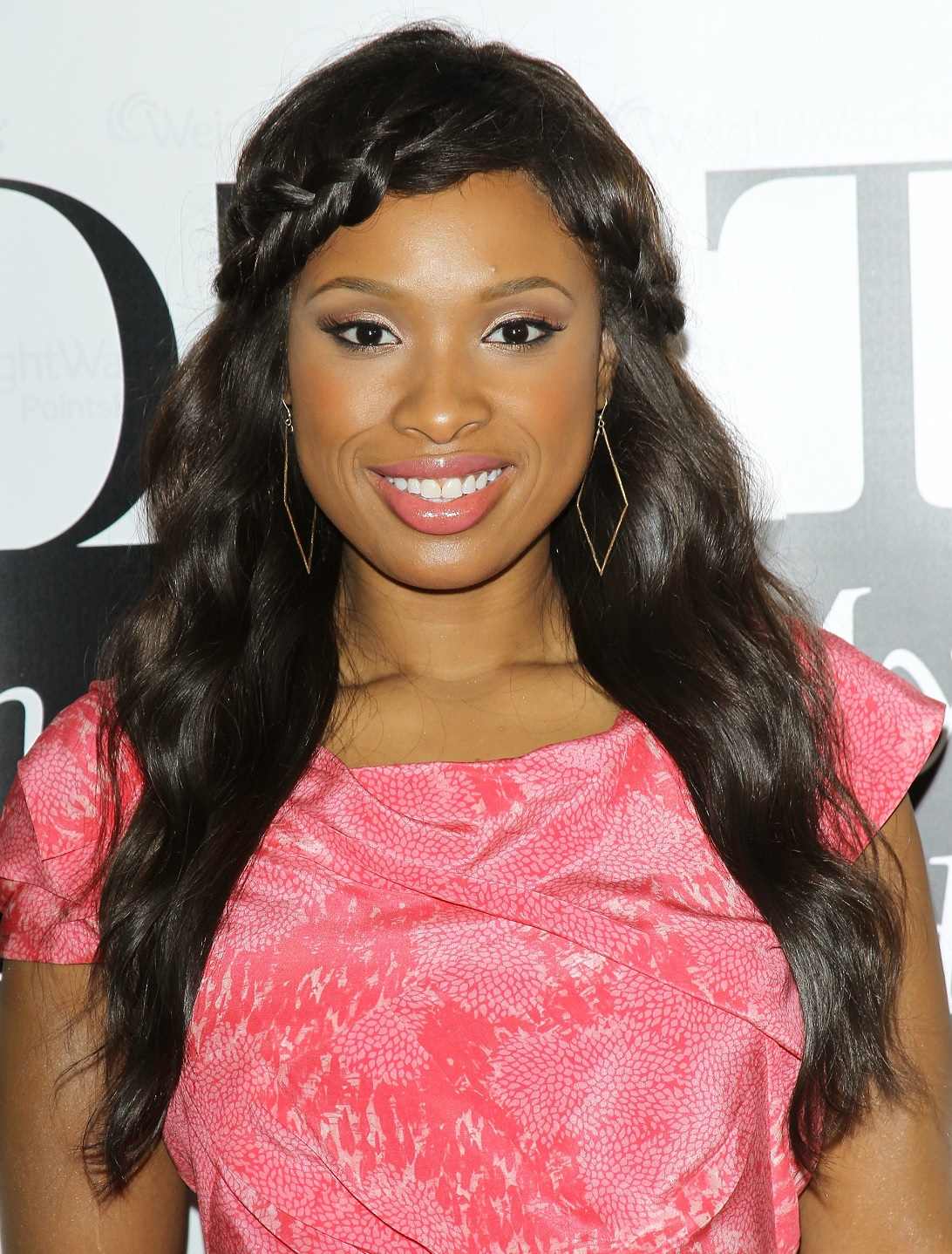 jennifer-hudson-romantic-valentine-hairstyle