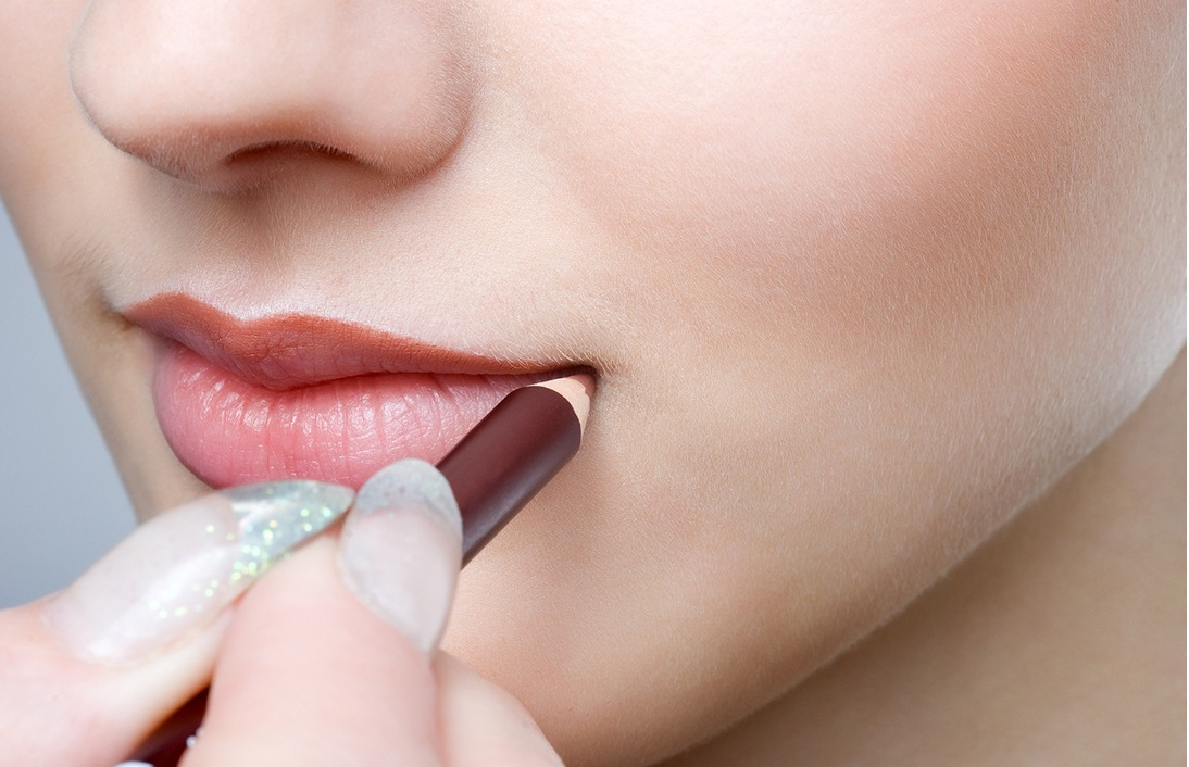 10-Natural-Ways-to-Get-Plump-Lips-Make-Your-Lips-Bigger-Nude-Lip-Liner-Faces-of-Ony