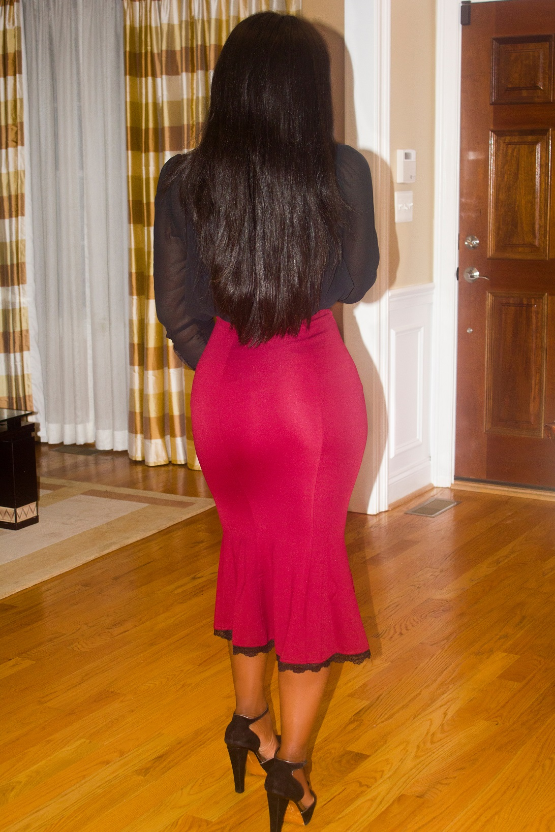 Red-Fishtail-midi-skirt-outfit-back-pose