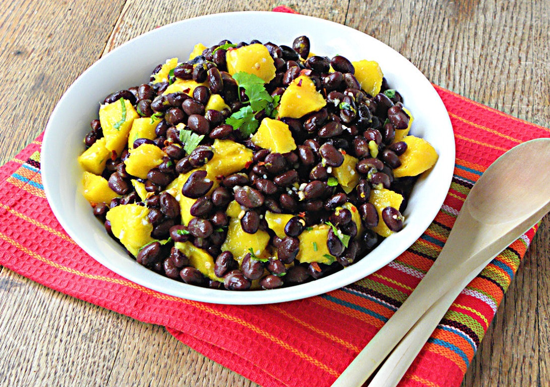black-beans-mango-salad-Lose Weight by Eating These Delicious Salads